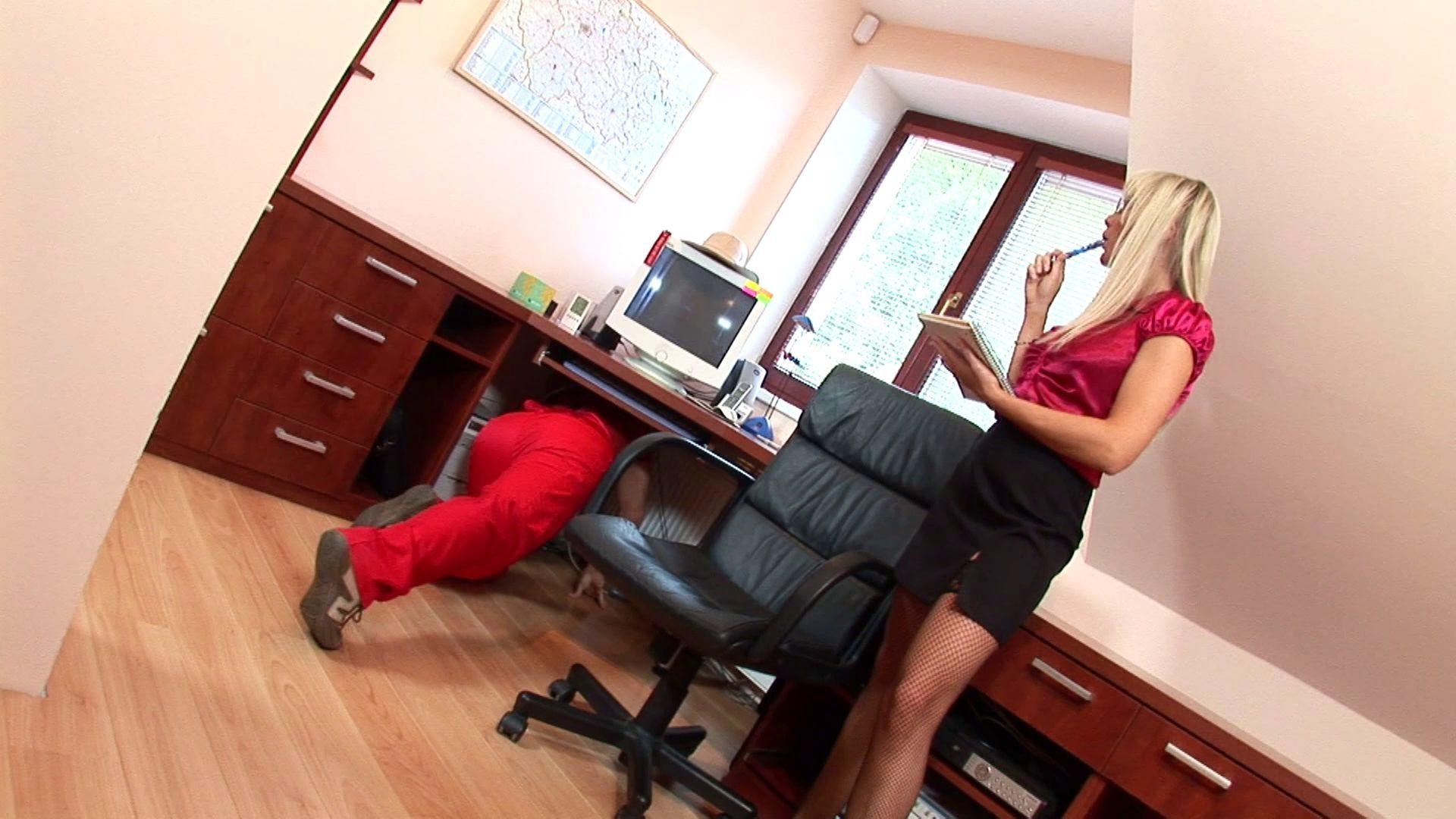 literoica-boss-fuck-employee-wifetures-upskirts-wife